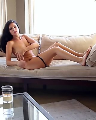 Mercedes Raquel - Portland Housewife