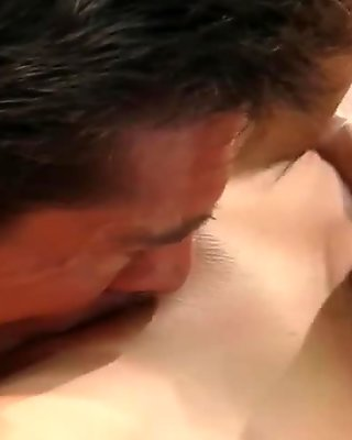 Babe Gets Satisfied By Masseur