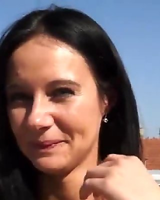 Busty Czech babe Enza banged for money
