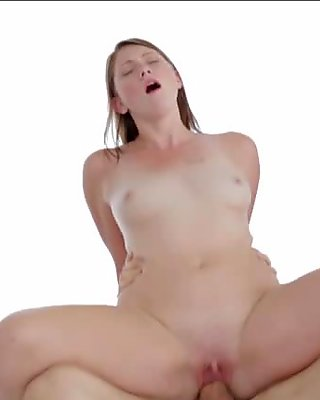 Pretty Shae Summers face cum showered real well