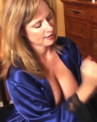 Big tits brunette Victoria Sweet gets a helping hand and hammered
