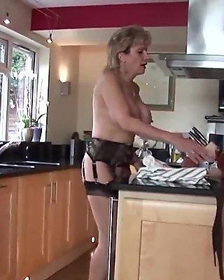 Cheating british mature gill ellis showcases her heavy knockers