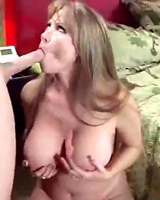 Intercorse Bang On Camera With Big Hot Round Tits Milf (darla crane) video-11