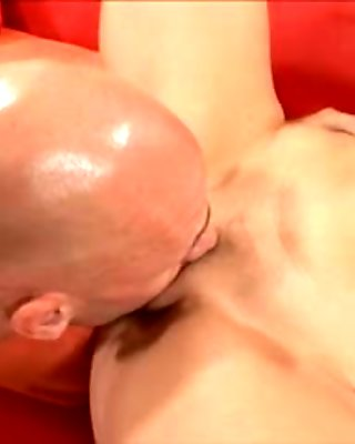 Stacked blonde gives a great blowjob and then relishes a deep fucking