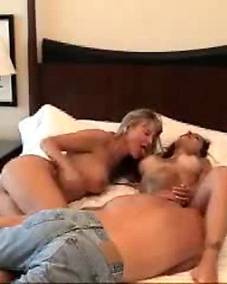 Vagina licking
