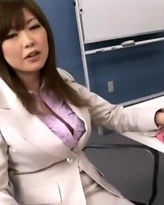 Rio Hamasaki in My Slutt Boss