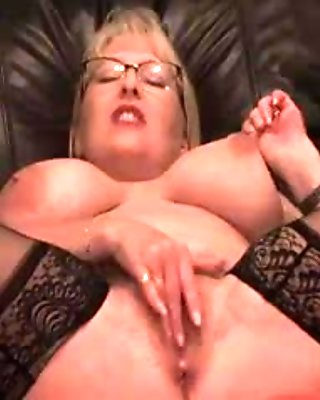 Big Boobs Squirting Milf On WebCam