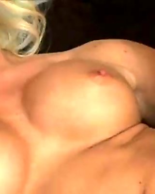 sexy girl fingers herself